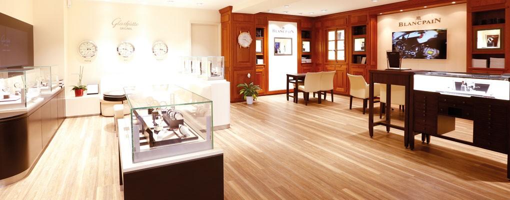 time square exklusive luxusuhren aus k ln. Black Bedroom Furniture Sets. Home Design Ideas